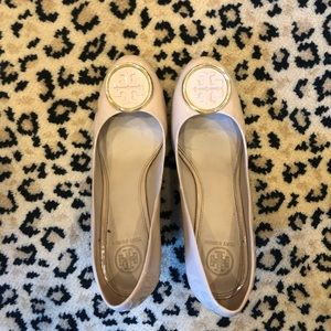 Tory Burch nude patent wedges